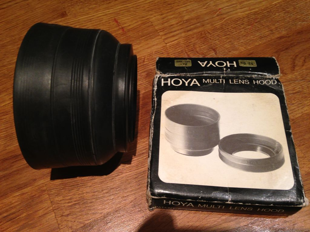 AS NEW HOYA 62mm very extendable multi lens hood