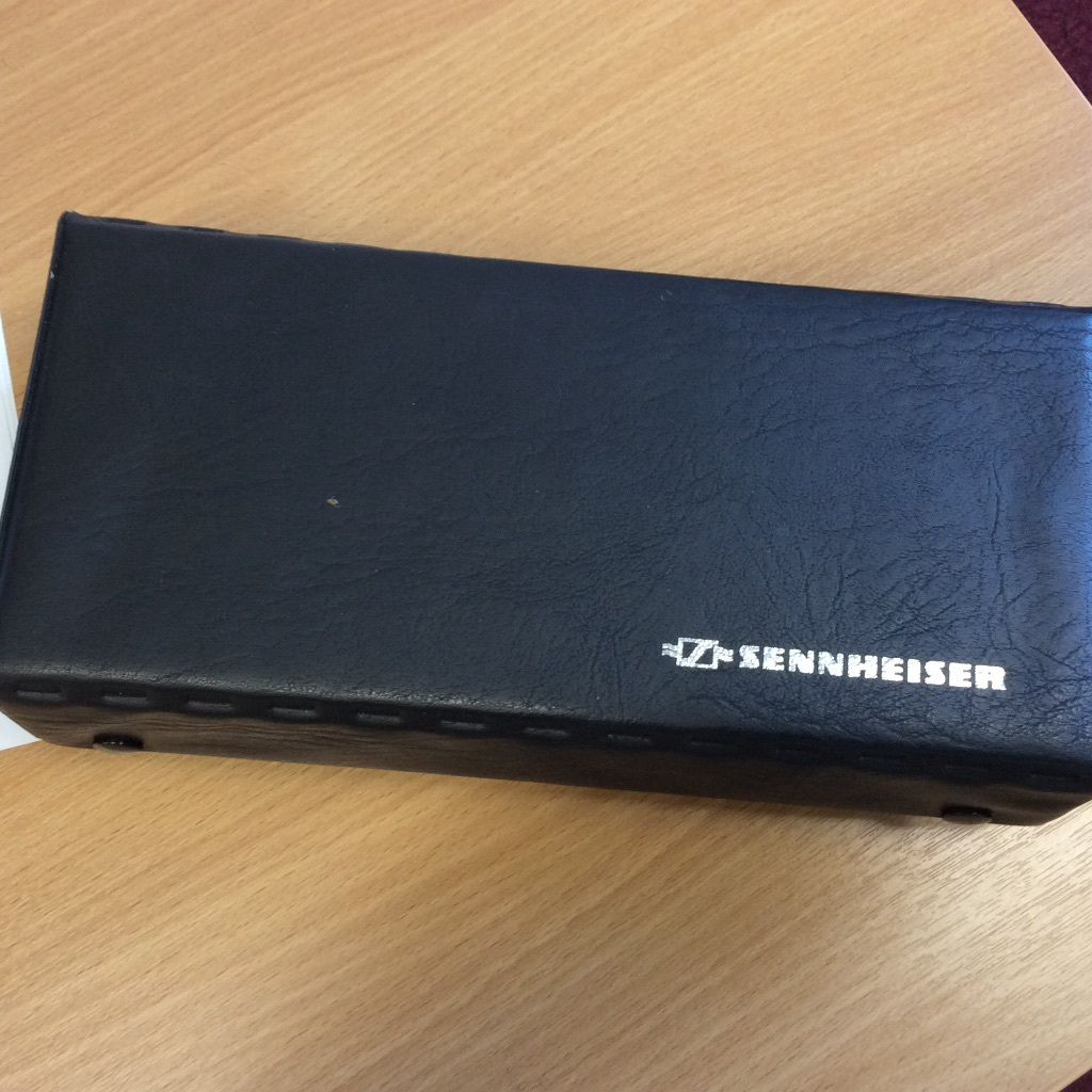 Sennheiser MD419 Dynamic Mic - Wonderful on Toms.. sounds like MD421 with more transient.