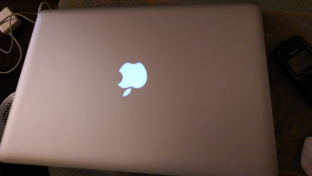 Apple Macbook Pro, 2.4Ghz, intel i5, 8GB (Upgraded Ram), Good Condition! Genuine Sale! All Receipts!