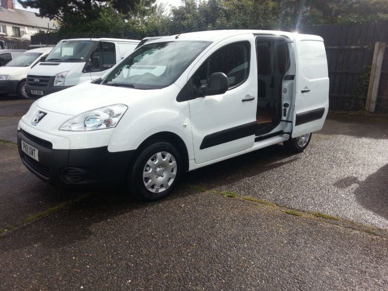 FINANCE ZERO DEPOSIT REQUIRED DRIVE AWAY TODAY FIRST PAYMENT TWO MONTHS,Van,Cars