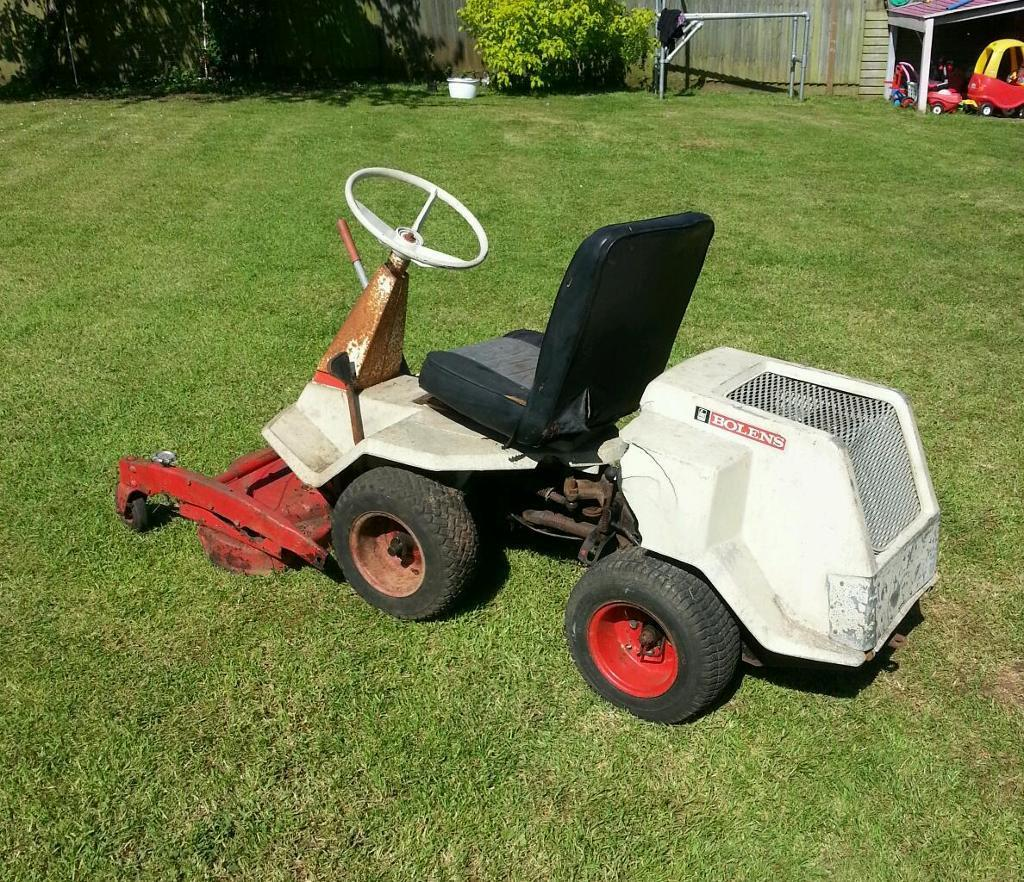 Ride on lawnmower petrol tractor mower bolens estate keeper