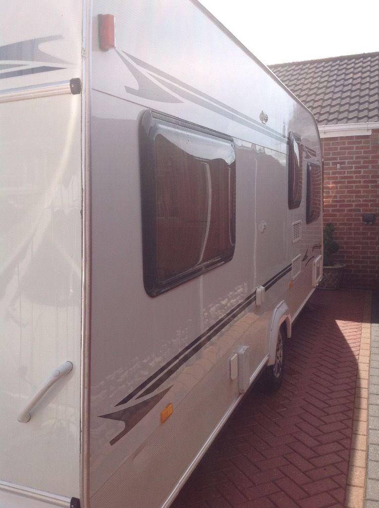 Elddis riviera 2004 4 berth fixed bed with leisure battery