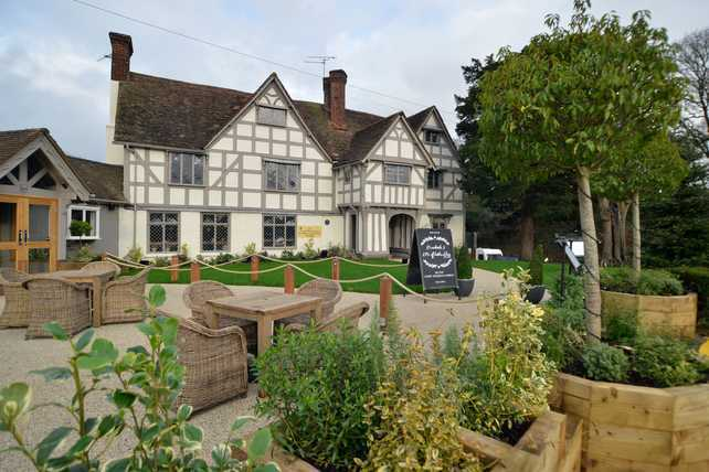 Bar staff (full/part time) - The Manor House of Whittington, Kinver