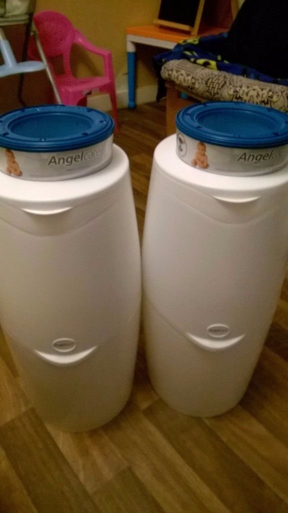 2x Angelcare Nappy Disposal System with three cassette one used