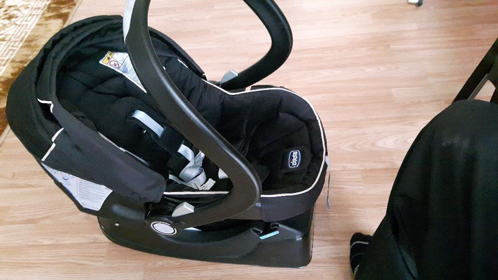 Chicco car seat with easyfix