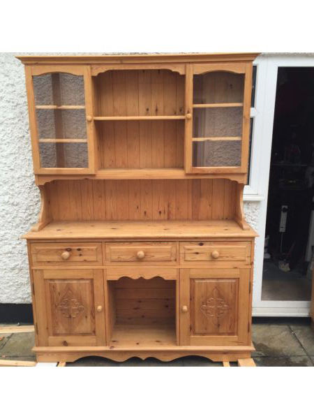 Good quality solid pine welsh dresser currently waxed but could be painted or limed etc...