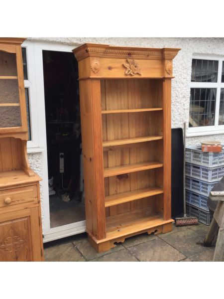 Good quality pine bookcase/shelf - can be painted or limed etc...