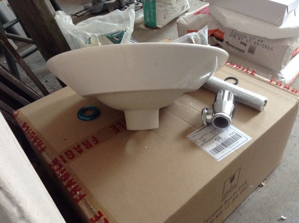 Counter top basin/sink, cloakroom bathroom bowl.