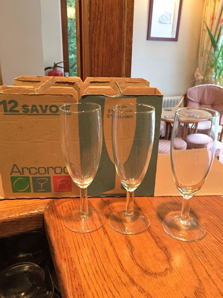 12 x Imperial Flute 5 3/4oz Arcoroc Champagne Glasses for catering/restaurant