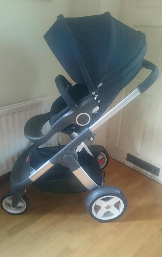 Stokke Crusi Travel System inc Carseat and double adaptors