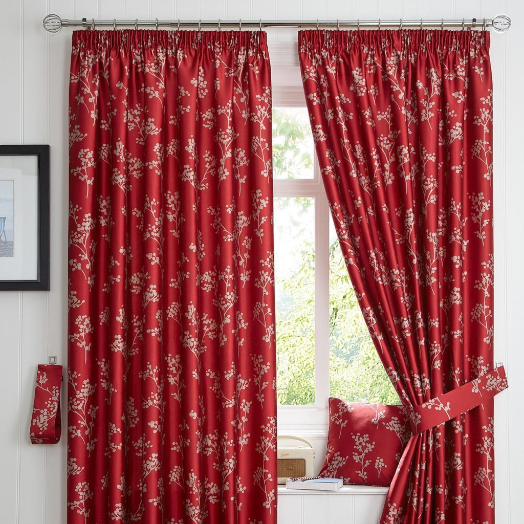 Pair of Curtina ready-made curtains (red)