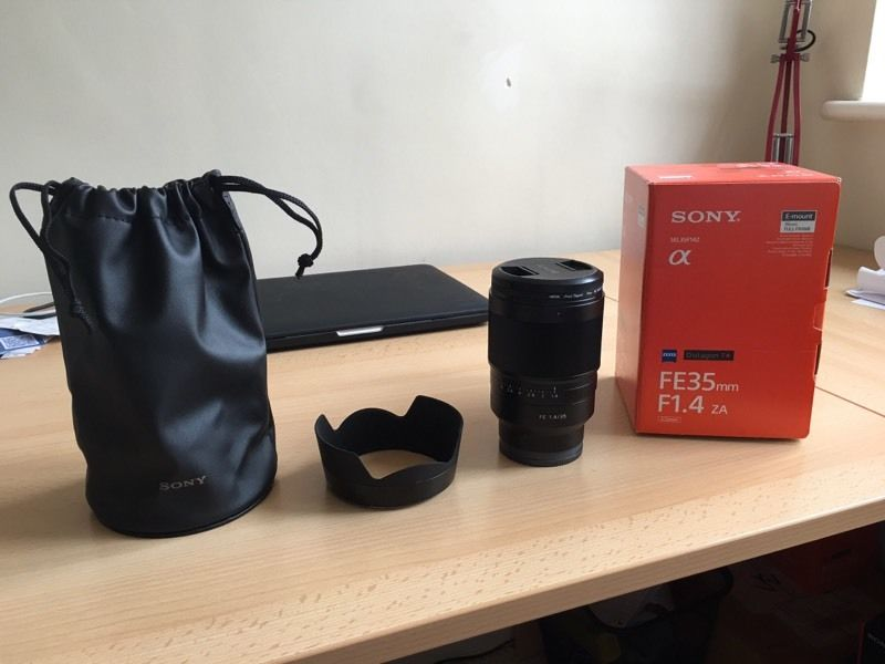 Sony Zeiss FE 35mm 1.4 lens Brand New