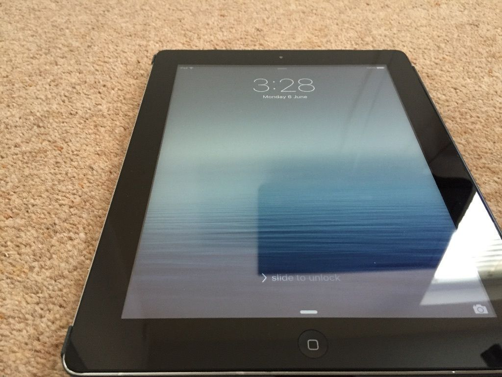 Apple Retina iPad 32GB immaculate, excellent battery and wifi, smart case