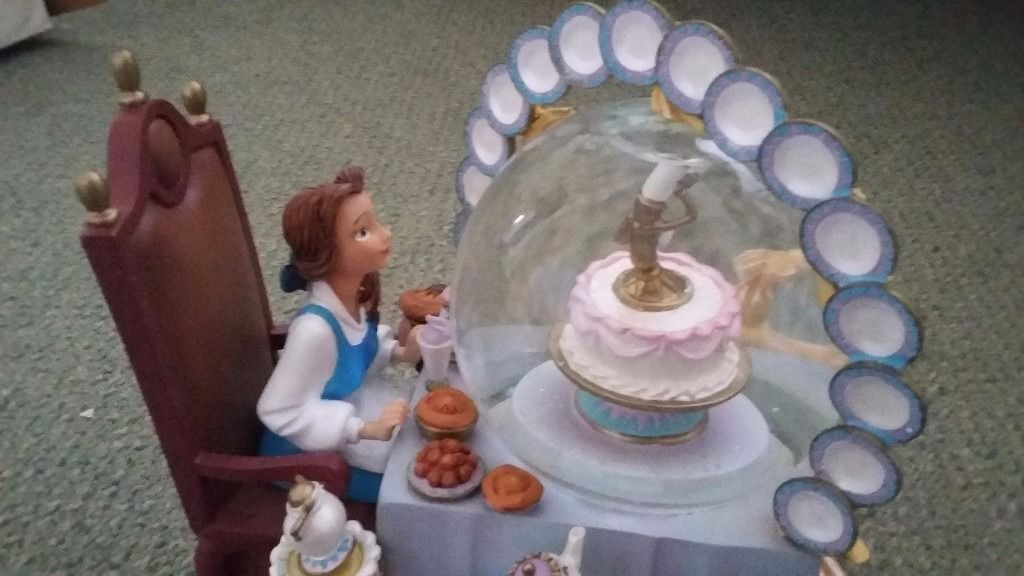 Rare beauty and the beast snow globe excellent condition