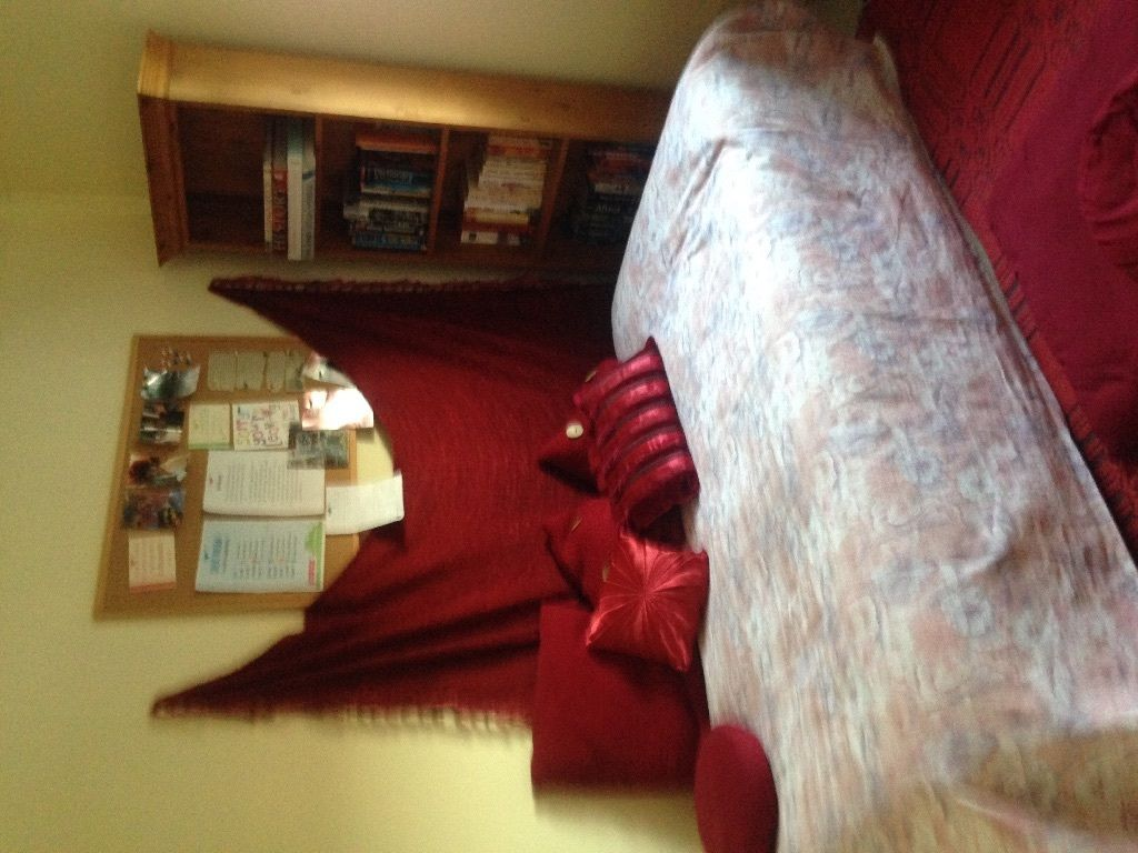 Single room in Northolt for female professional