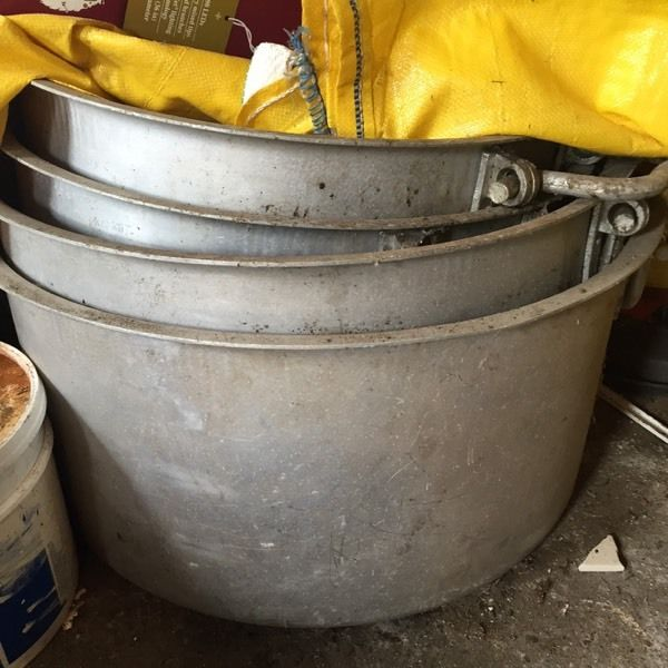 4 large commercial cookware