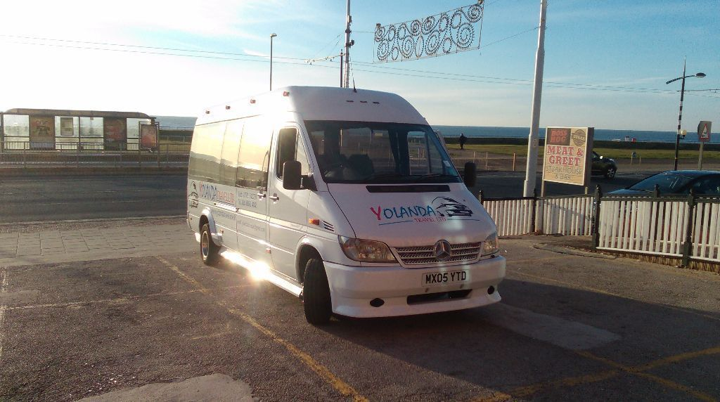 MINIBUS LONDON, ESSEX, KENT, BROMLEY, CROYDON, SUSSEX 16 seater WITH DRIVER ANY TIME