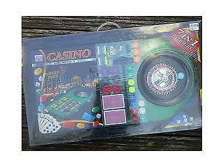 brand new casino set (Good to give as a gift)