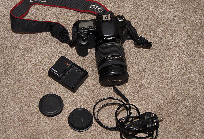 Canon EOS 40D with Canon 18-200mm IS lens