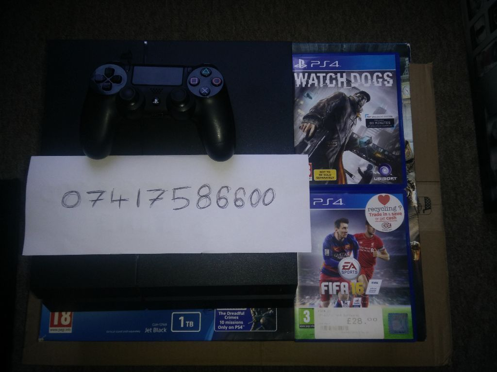 PS4 1000GB + 7 GAMES + 8 MONTH ONLINE