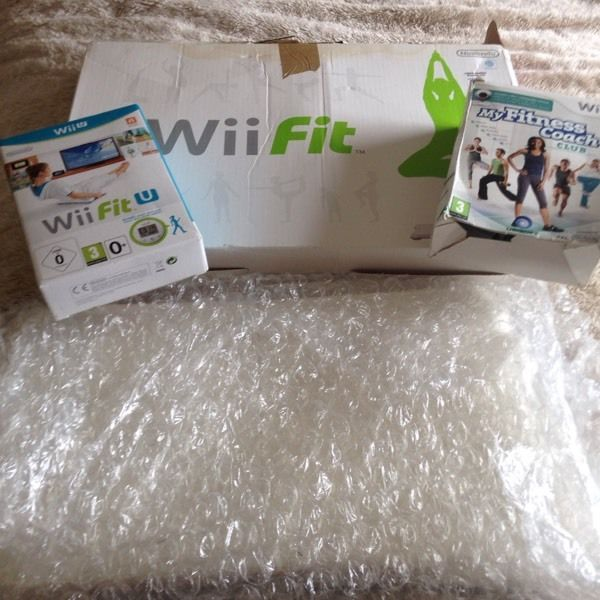 Wii fit board & x2 games immaculate condition.