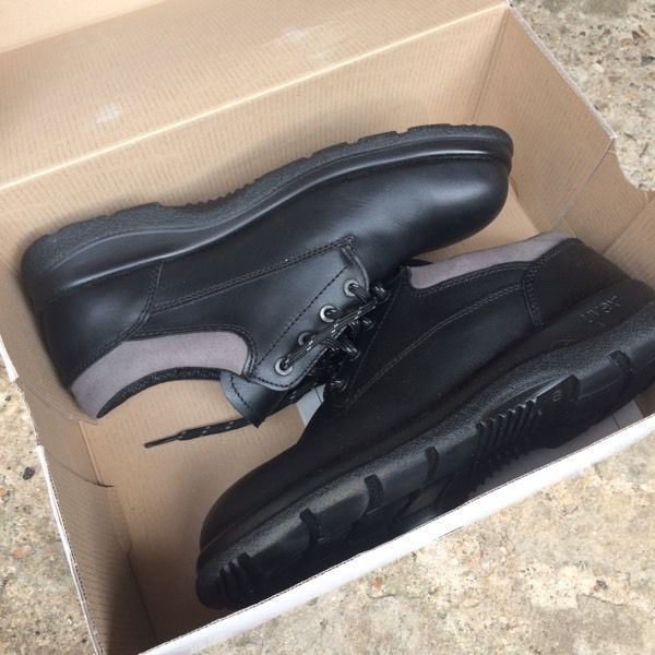 Safety shoes size 9 all brand new