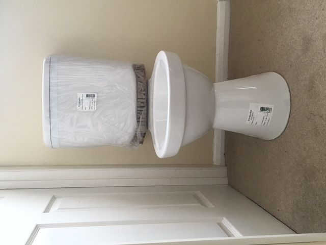 Ceramic Toilet pan and close couple cistern White Brand New / Unused