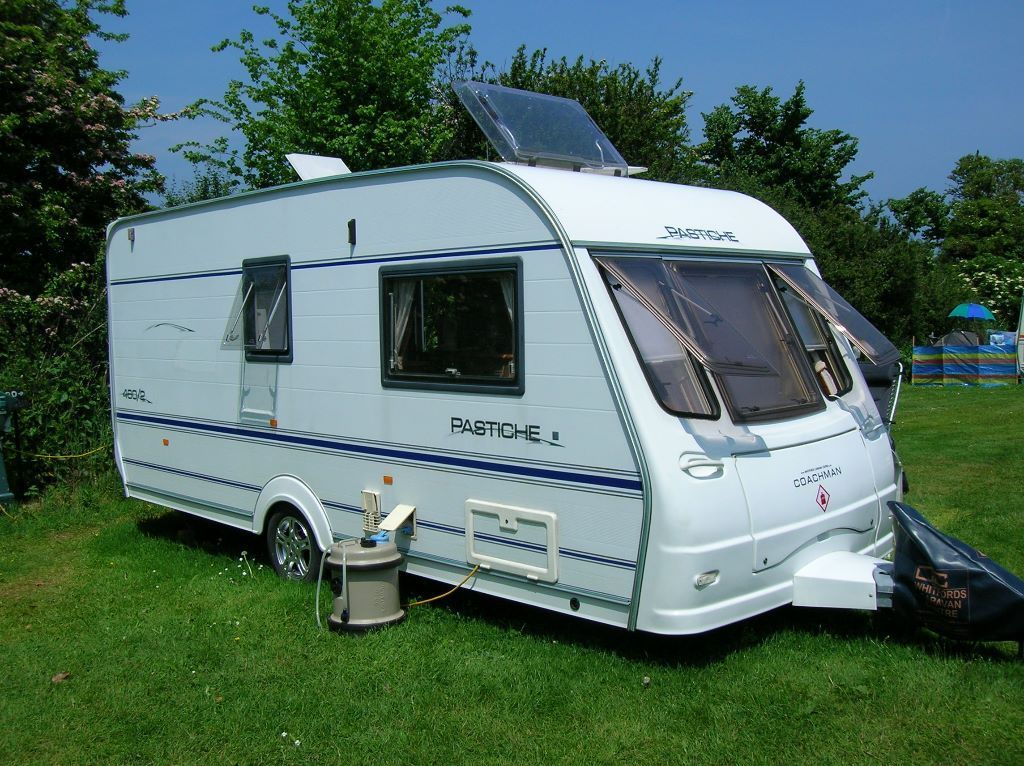 2005 Coachman Pastiche 460/2 Berth & isabella awning Excelent condition with lots of extras