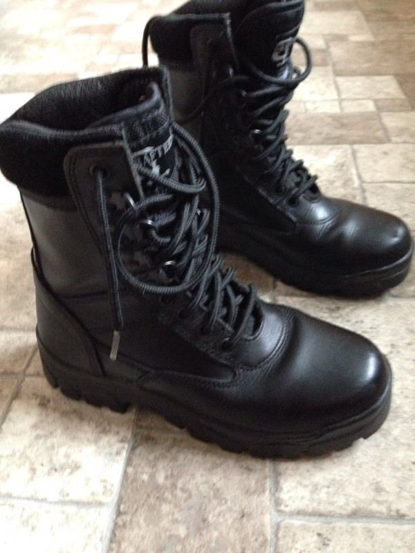 Army boots grafters size 4