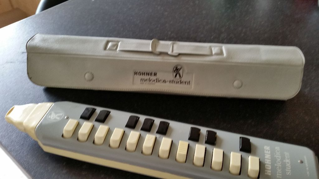 MELODICA HOHNER - STUDENT WITH HOHNER CASE