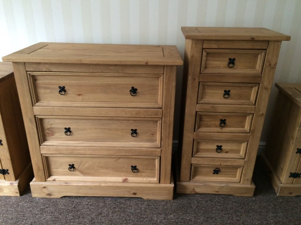 Oak wood furniture front room and bedroom furniture all in excellent condition brand new