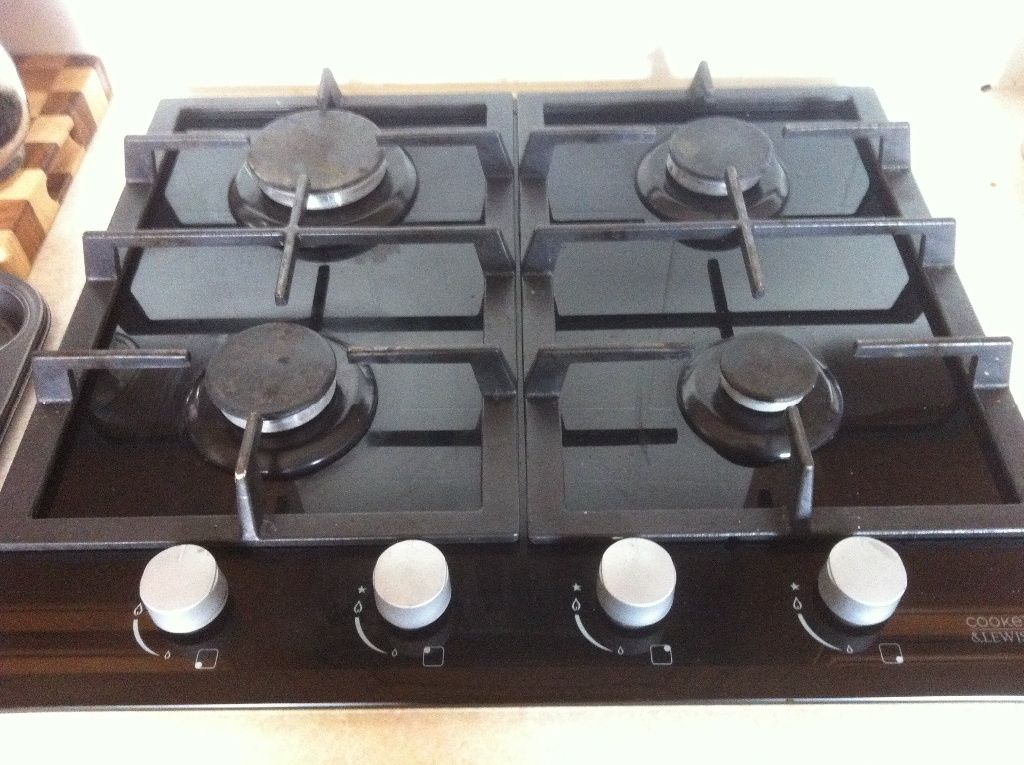 Gas hob only 6 months old for sale and electric oven with grill