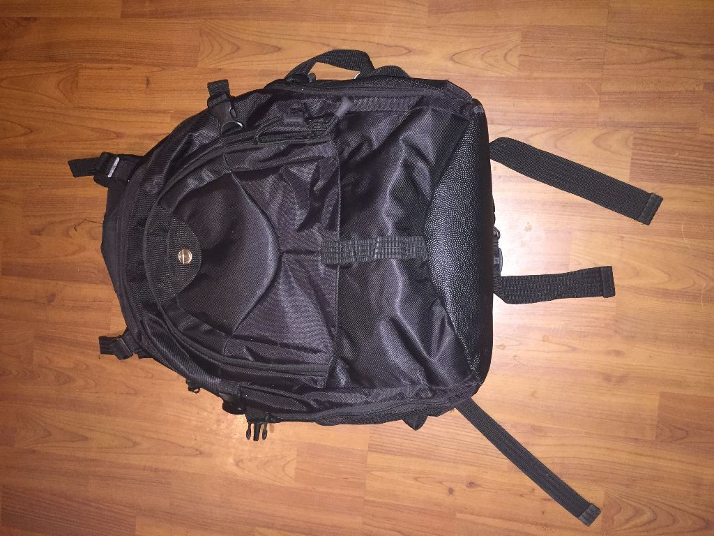 Targus laptop rucksack bag. Excellent condition.