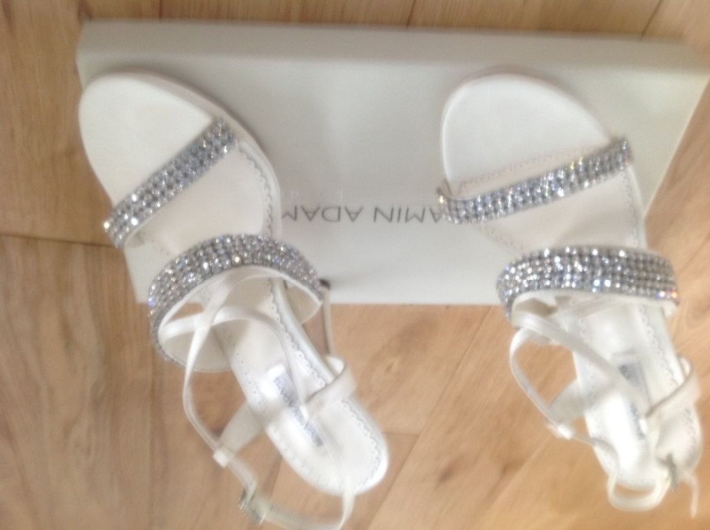 Gorgeous Benjamin Adams mimi bridal shoes , size 6 Brand New