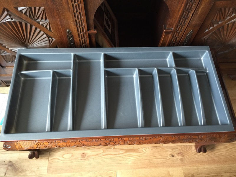 FREE Heavy duty plastic cutlery/tools tray