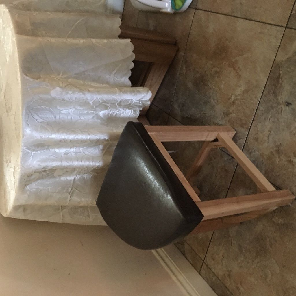Round table & 4 stools for sale
