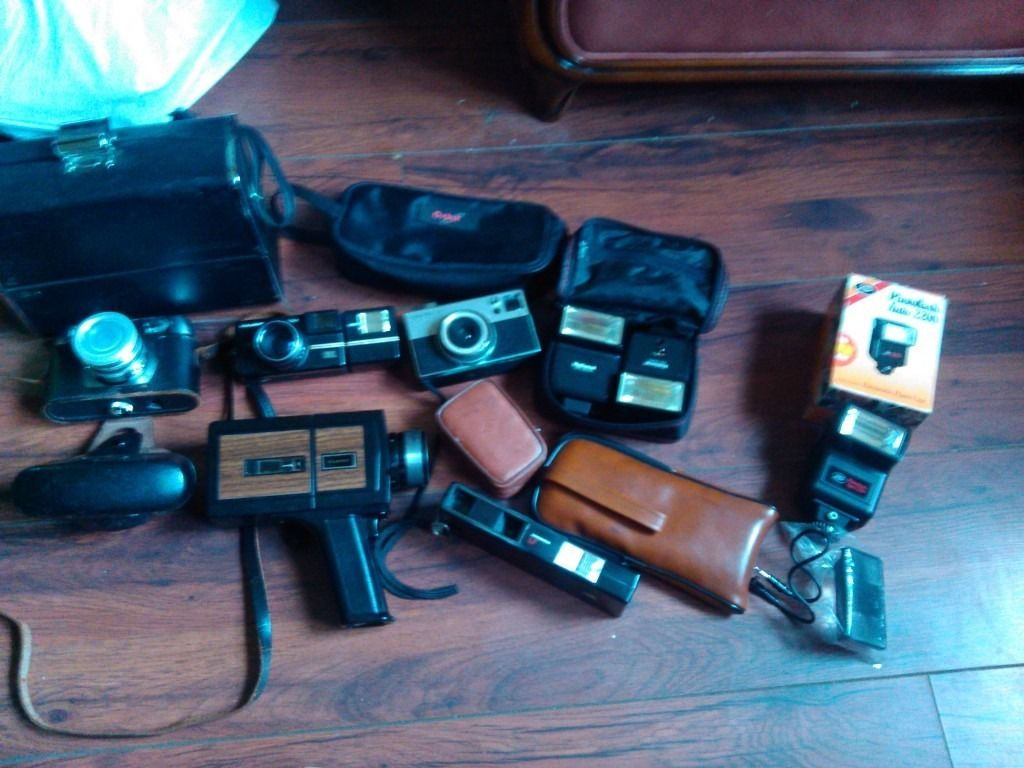 OLD CAMERAS and flash/cases