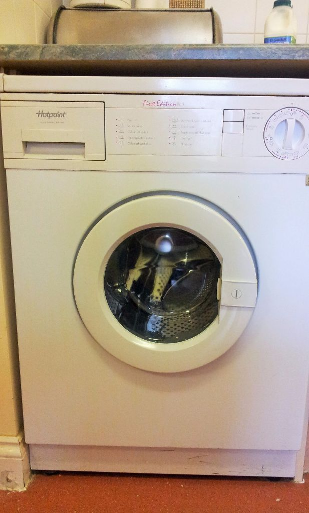 HOTPOINT EDITION 800 WASHING MACHINE FOR FREE