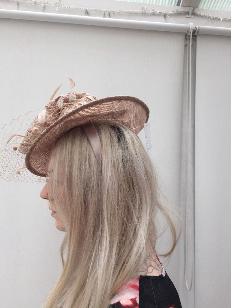 STUNNING**** NEW wedding mother of the bride hat facinator