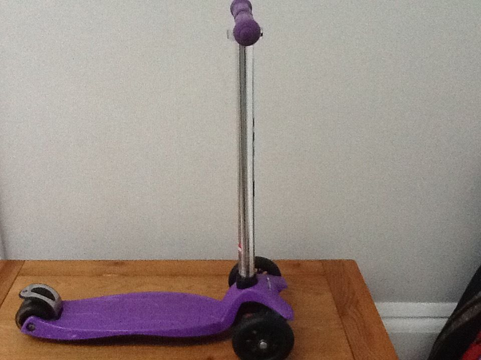 Maxi Micro Scooter, Purple. Bought 2 years ago with ocassional use. Very good condition.