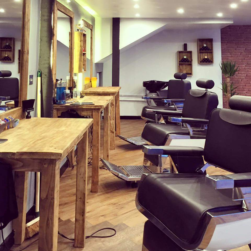 Experienced Barber required, full time or part time with excellent rates of pay