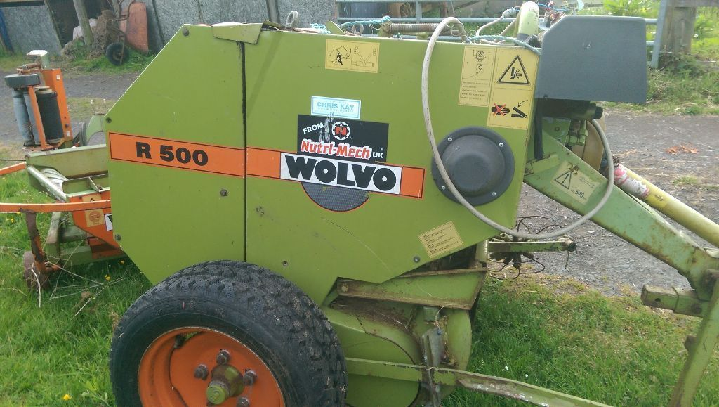 Wolvo R500 Mini baler and wrapper for small bales of haylage and hay