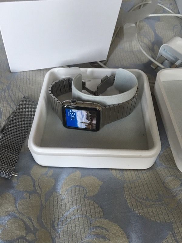apple watch 42mm stainless steel milanese strap and additional official link strap