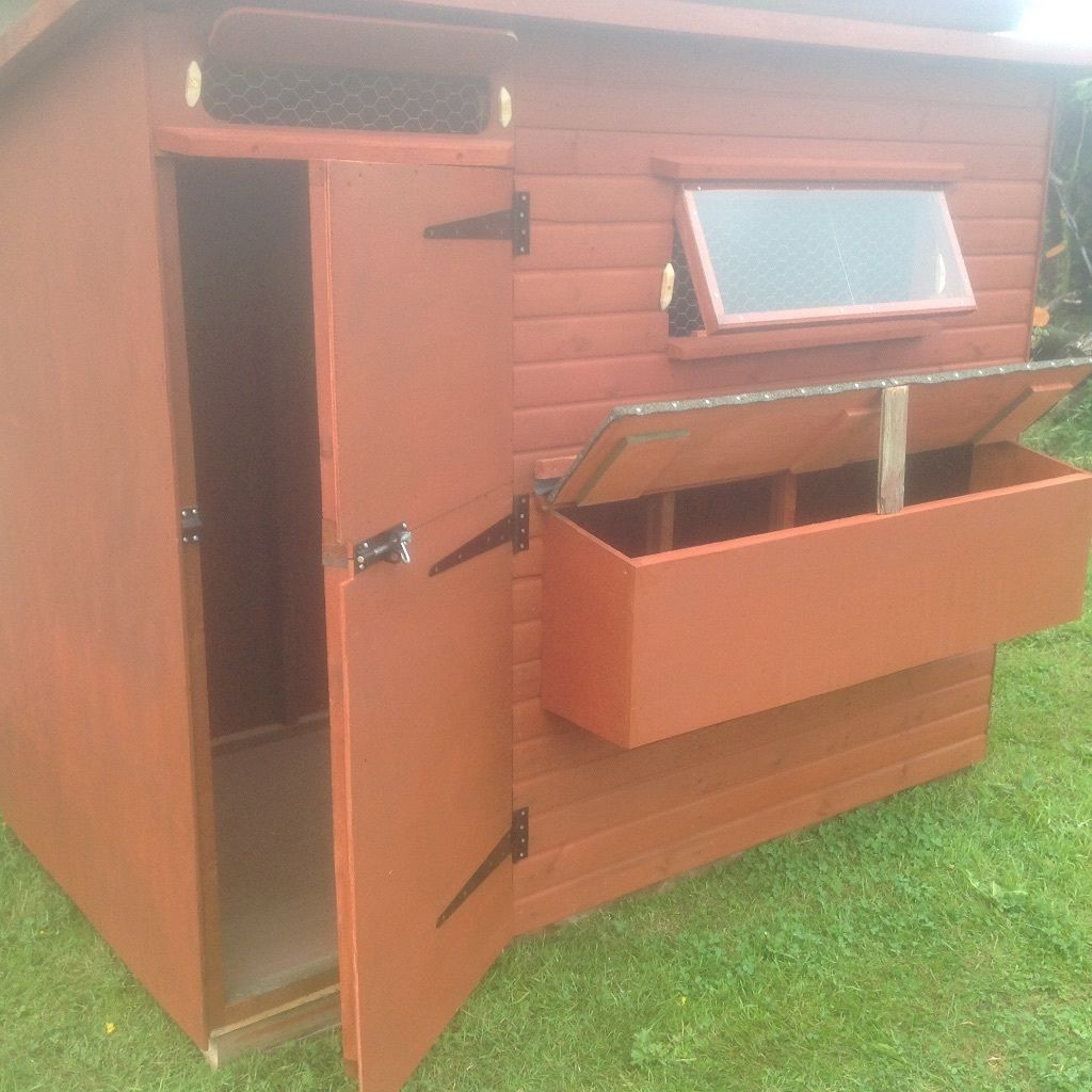 Chicken coop with external laying boxes 8x4x6 high