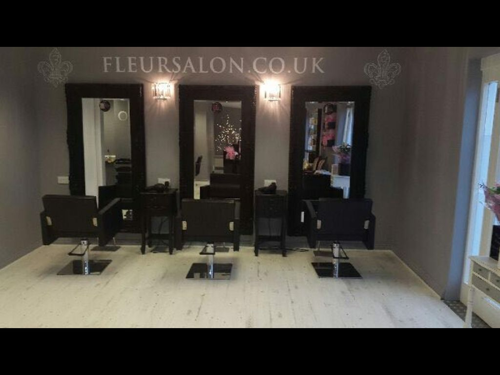 Fully qualified beautician required for busy boutique salon