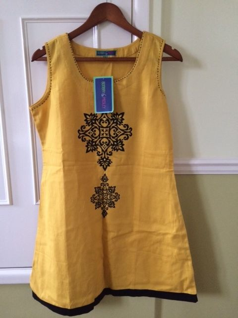 Ladies Yellow Tunic Style Dress with pattern BRAND NEW WITH LABELS (Size M / 12-14)