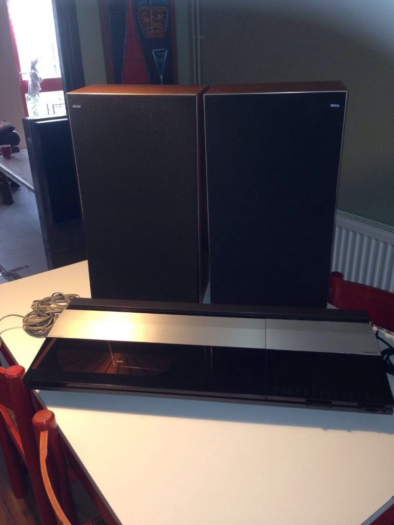 Beocentre 2200 turn table & Speakers