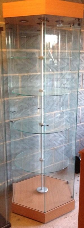 Rotating glass display cabinet