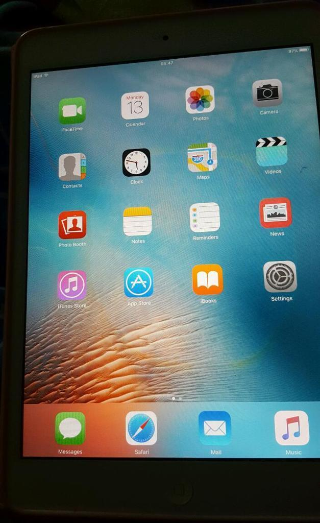 Ipad mini. Boxed. Apple charger. Great condition