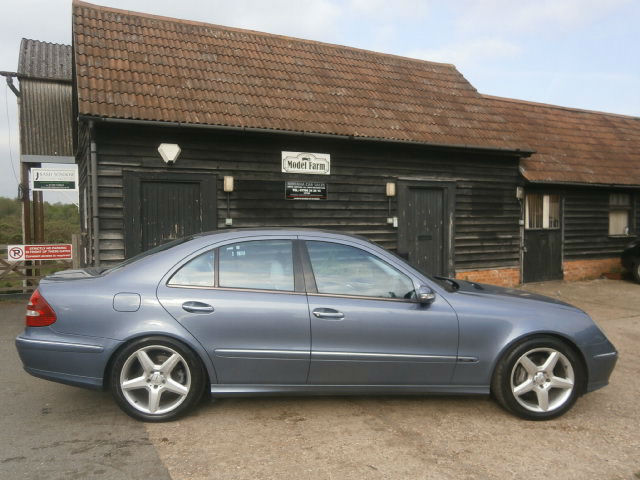 03 MERCEDES-BENZ E320 3.2V6 AVANTGARDE AUTOMATIC TEALITE BLUE PALE GREY LEATHER